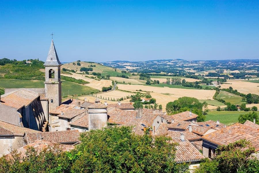 Lautrec, vu village et campagne