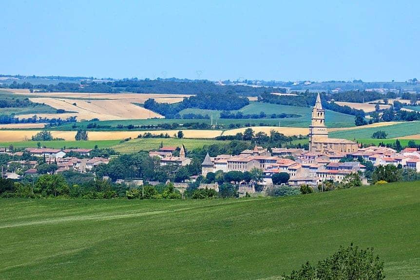 Paysage village du Lauragais Occitanie